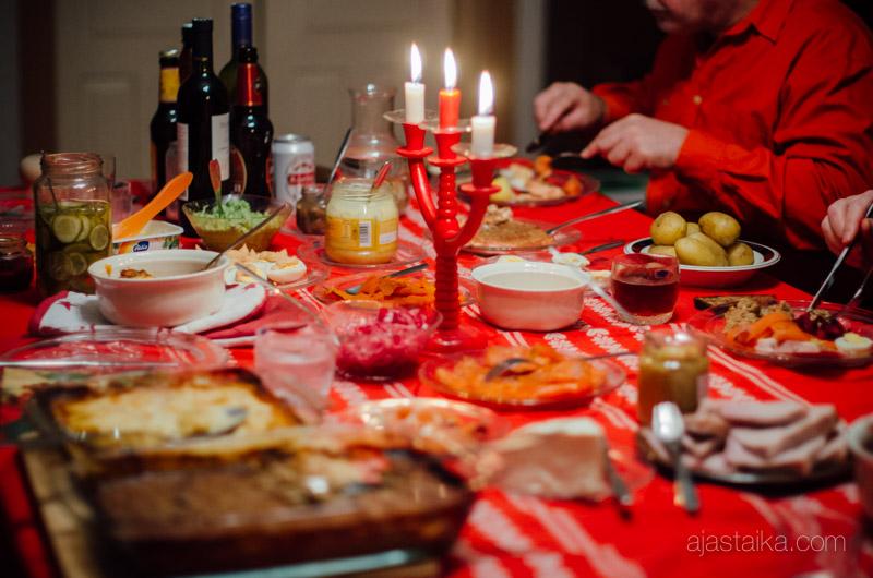 Aaton joulupöytä