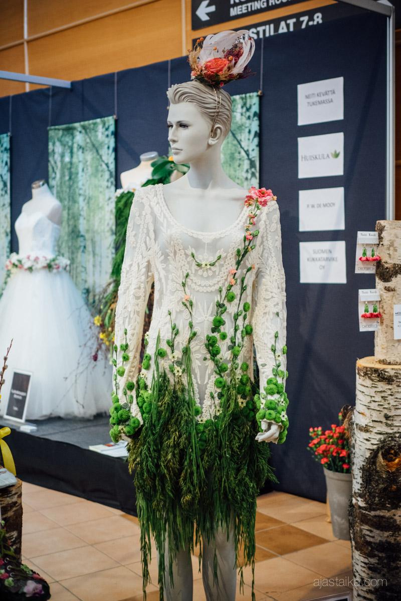 Neiti Kevät -näyttely, Livia Stiina Suo