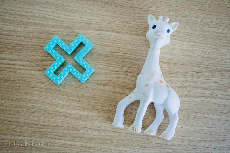Pureskeltavaksi: Nature Bubz Cross Teether ja Sophie la girafe