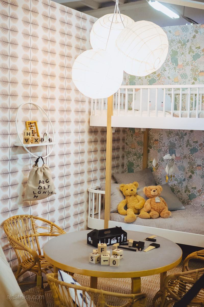 Bloggaajat tapetilla / lastenhuone